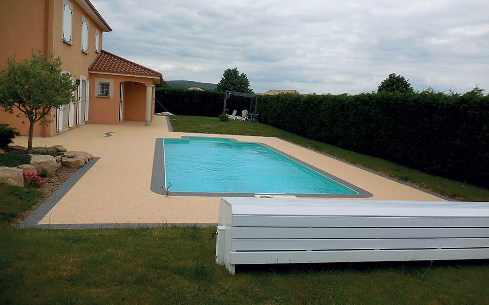 Imperméabilisation des piscines et peinture avec un revêtement époxy